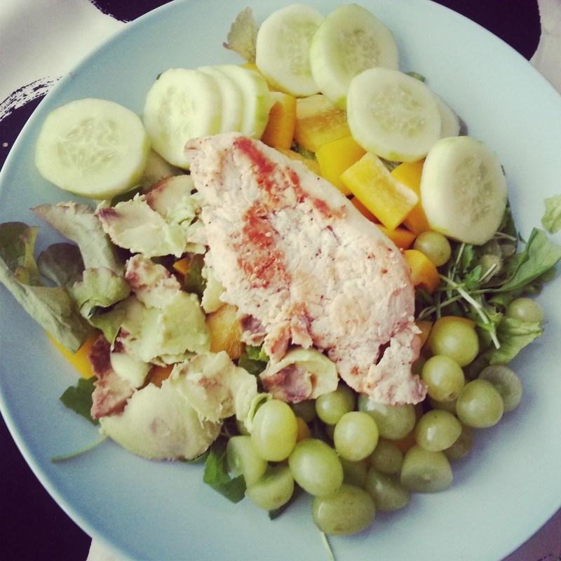 Nauti runsaas salaatin kera :)