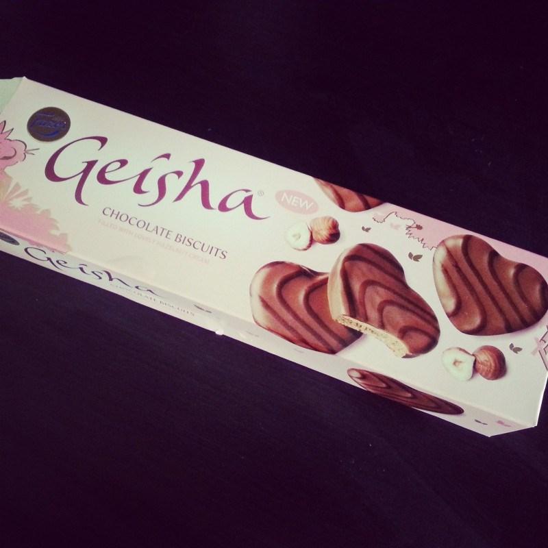 Uusia Geisha-keksejä maistettiin. Hyviä, jos tykkää geisha-suklaasta :)