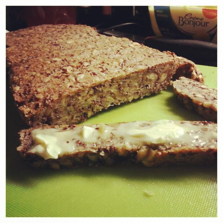 Eilen tekemääni gluteenitonta leipää. Resepti blogissa huomenna!