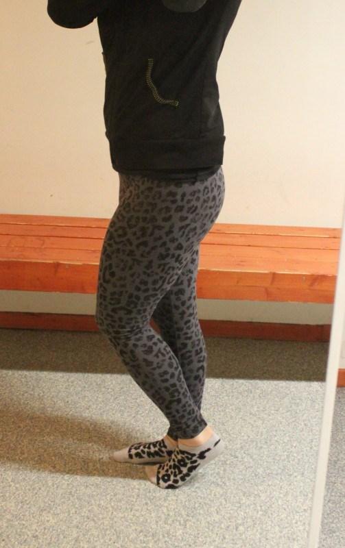 Ennen treeniä tarkastin pukkarissa jalat. Siel ne oli,
