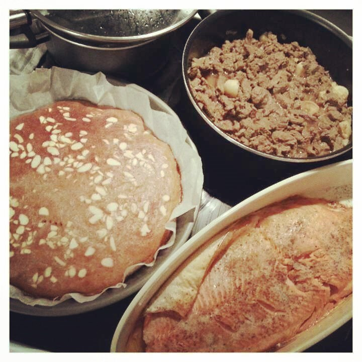 Tiistaina kokkailtiin naudan paistisuikaleita, lohta ja protskupannaria.