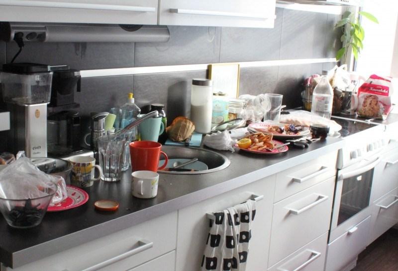 Tältä näytti juhlien jälkeen keittiö...