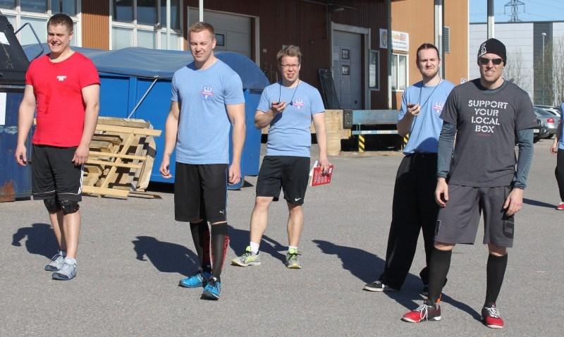 Miesten heat 2: Ville Huhtamäki CF 8000, Mikael Lindholm CF Vantaa ja Jussi Vahe CF Kerava.