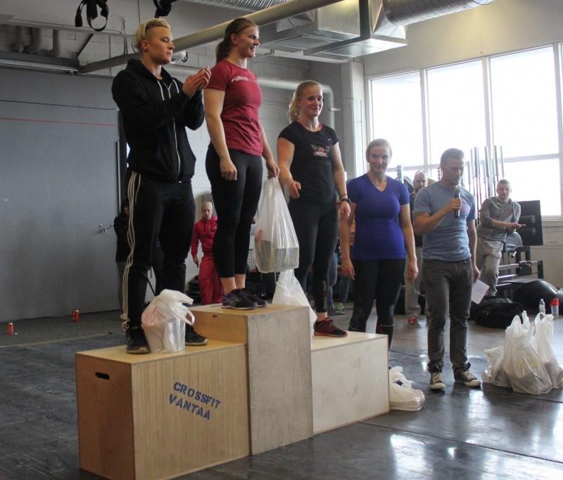 Naisten kärkinelikko: Tiina Rinne 1. sija, Anu Peltokoangas 2.sija, Annika Vahomäki 3.sija ja Tanja Mäntyvaara 4.sija.