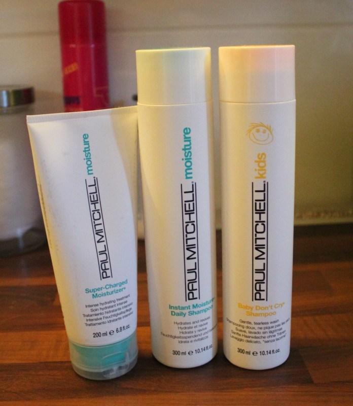 Tällaiset tuotteet löytyy myös tukan hoitoon.  Tuo lasten shampoo on tosi hyvä!