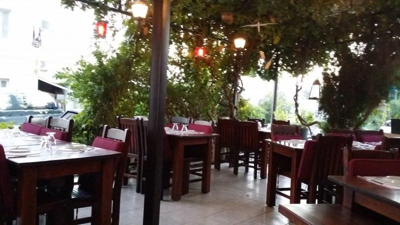 Ravintola Divers. Ihanan suojaisa ja tunnelmallinen paikka!