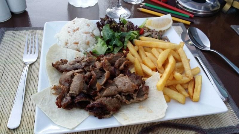 Döner-kebab ravintolatyyliin. Oli muuten hyvää!