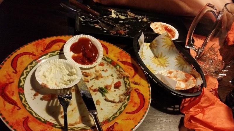 Oli niin kova nälkä, että unohdin kuvata ruuat :D