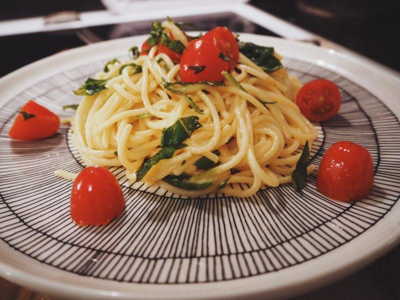 vuohenjuusto-tomaattipasta