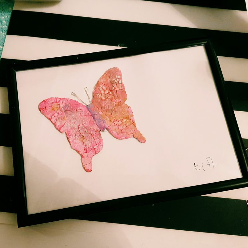 Tytön tekemä mosaiikkitaulu mummolle lahjaksi :)