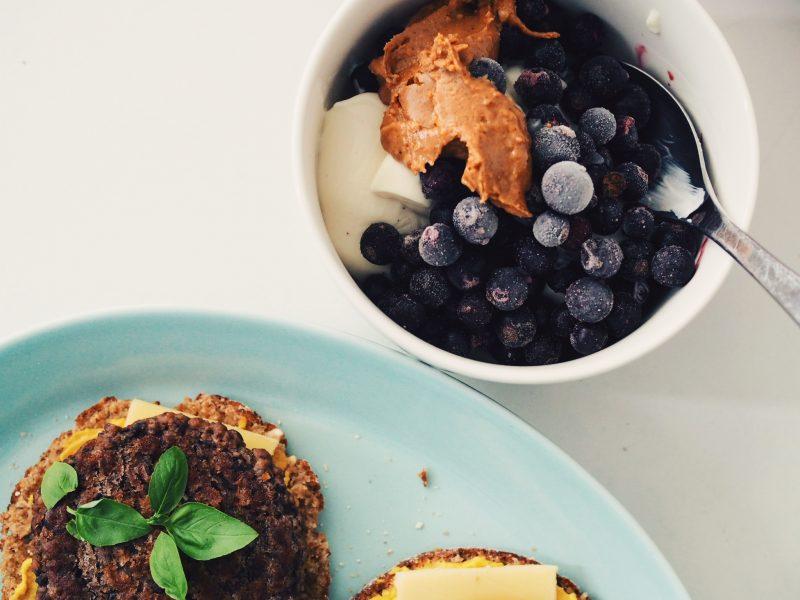 Miten saada riittävästi proteiinia vegaaniruokavaliolla?